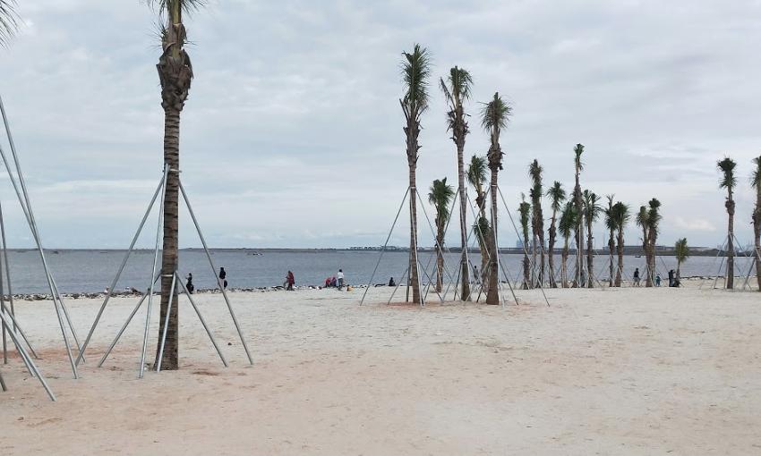 Wisata Pantai Pasir Putih PIK 2 - Berita Daerah